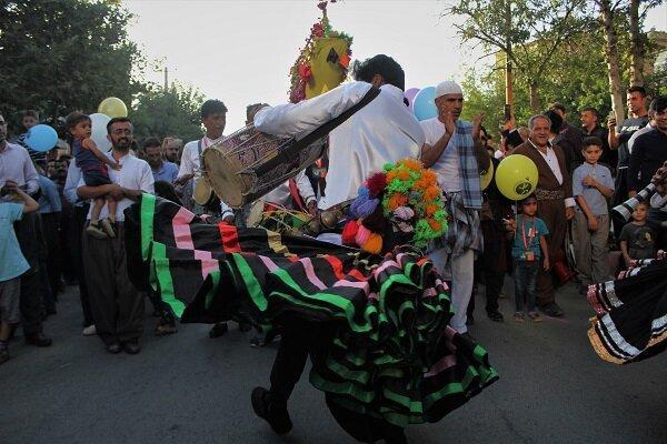 این روزهای پایتخت تئاتر خیابانی ایران