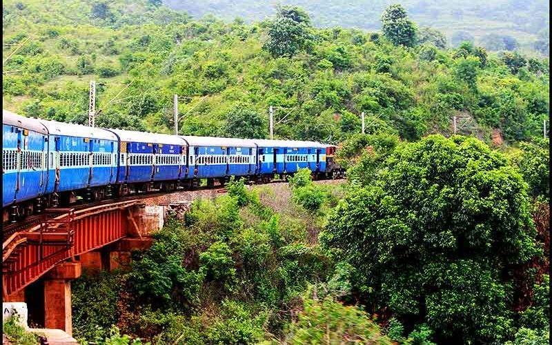 قطار سواری در هند