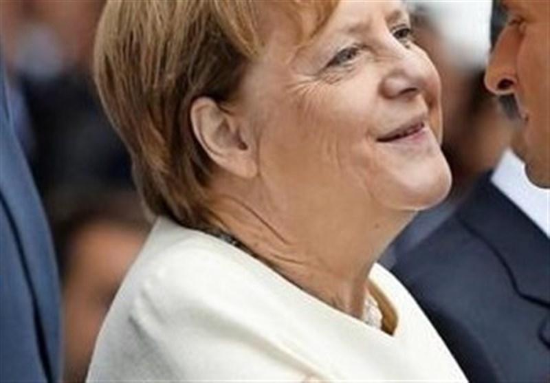 مرکل: اتحاد آلمان هنوز 20 سال دیگر زمان می خواهد