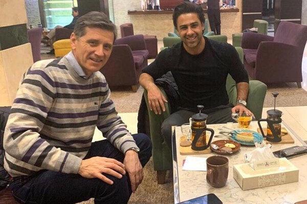 دستیار اسپانیایی سرمربی استقلال وارد تهران شد