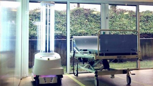 ربات های فرابنفش و شکار ویروس کرونا
