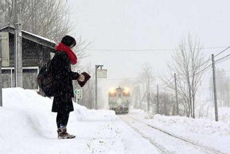 قطاری در ژاپن که سه سال است تنها یک مسافر را جا به جا می کند
