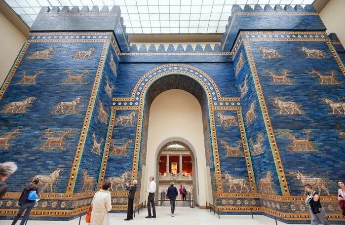 حملات اسرارآمیز به ده ها اثر تاریخی موزه های برلین