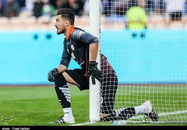 اکبرمنادی: امسال باتجربه شده ام و امیدوارم به تیم ملی برسم، با شکست دادن استقلال روحیه گرفتیم