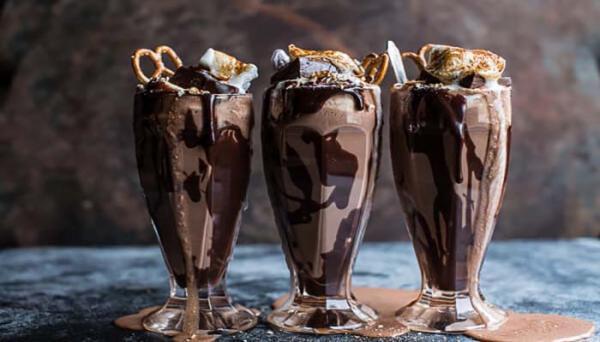 طرز تهیه شکلات گلاسه به روش کافی شاپی