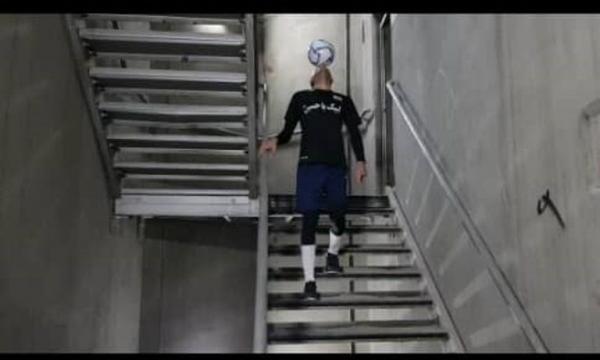 خبرنگاران فوتبالیست مرودشتی، رکورد جدیدی در برج میلاد تهران ثبت کرد