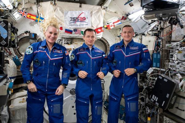 بازگشت فضانوردان ماموریت اکسپدیشن64 به زمین