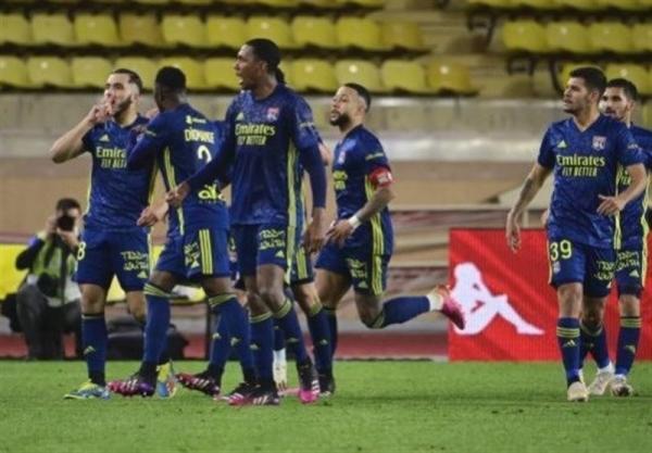 لوشامپیونه، لیون 10 نفره با غلبه بر موناکو به کسب سهمیه لیگ قهرمانان امیدوار ماند
